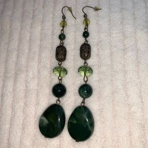 Jewelry - 5/$25 Green beads & antique gold dangle earrings